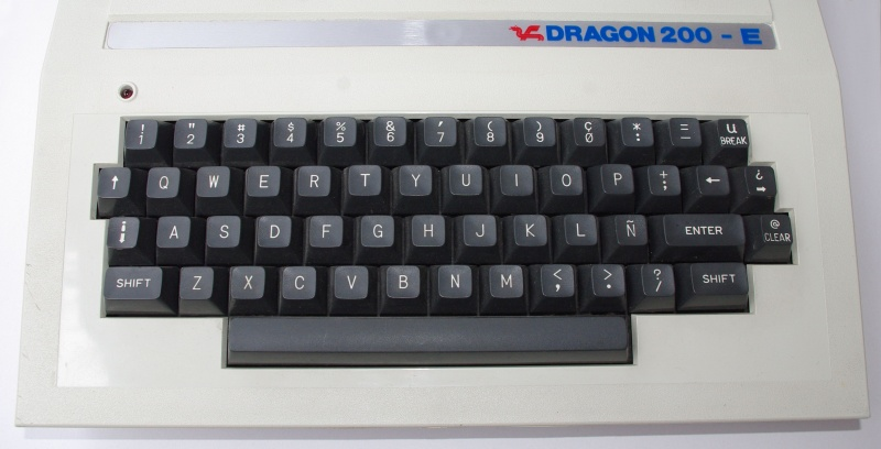 File:Dragon200E Keyboard.jpg